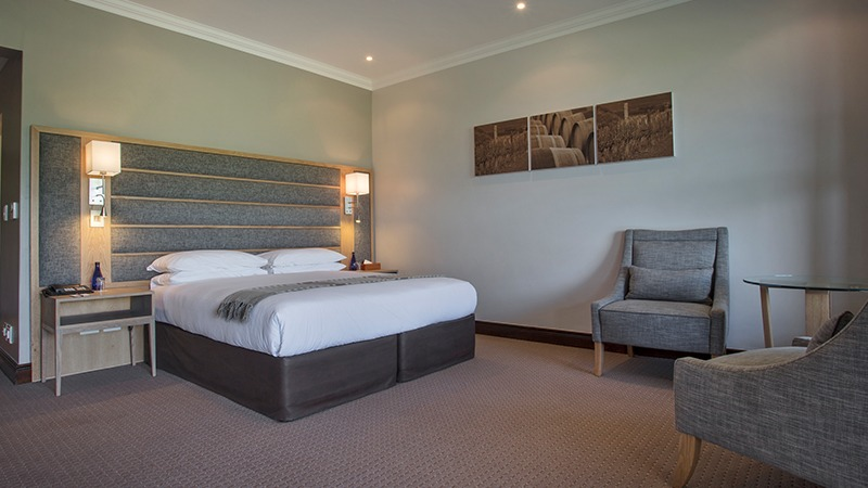 Signature Room 112 bed 1